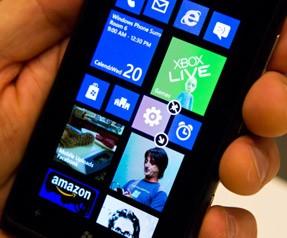 Windows Phone kaybetmeye devam ediyor