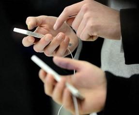 Cep telefonları sabit telefonları bitiriyor